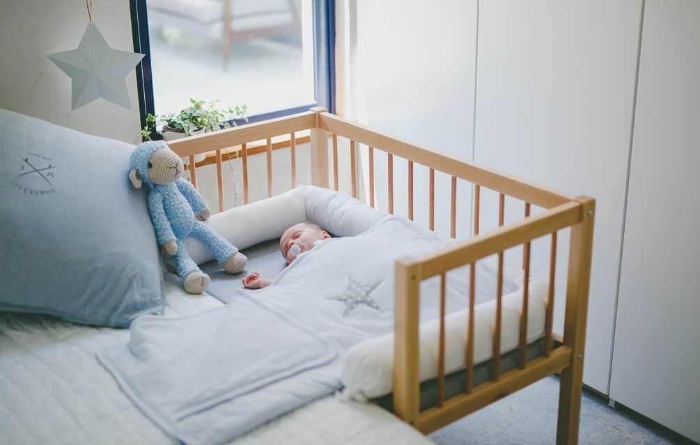 שינת תינוקות – למה חשוב להיות קרובים לתינוק לאחר הלידה, גם בלילה, ואיך תעשו זאת?